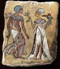 Abb. 3 Der ägyptische König Tutanchamun (18. Dynastie; um 1346-1337 v. Chr.) bekommt Mandragora gereicht.