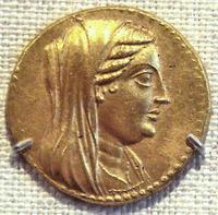 Wikimedia Commons; Creative Commons Lizenz (Quelle: http://de.wikipedia.org/w/index.php?title=Datei:BerenikeIIOnACoinOfPtolemyIII.jpg&filetimestamp=20071110133746)